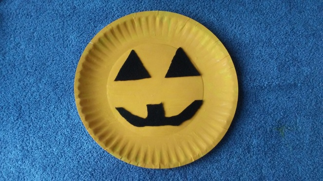 Easy Halloween Paper plate pumpkin craft for kids